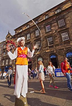 Fringe Festival on The Royal Mile, Old Town, Edinburgh, Lothian, Scotland, United Kingdom, Europe