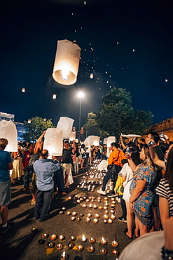Releasing lanterns at New Year's Eve, Chiang Mai, Thailand, Southeast Asia, Asia