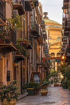 The Massimo Theatre (Teatro Massimo) seen from an alley, Palermo, Sicily, Italy, Europe