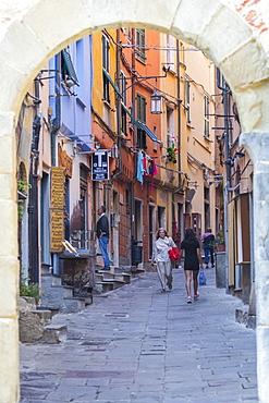 Village gateway (Porta del Borgo), Portovenere, Liguria, Italy, Europe