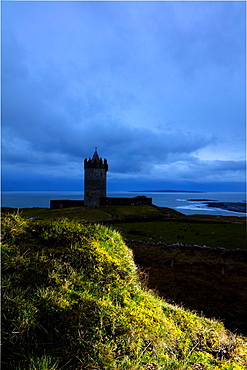 Doonagore Castle, Doolin, Cliffs Coastal Walk, County Clare, Munster, Republic of Ireland, Europe