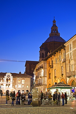 Piazza Vittoria, Pavia Cathedral, Pavia, Lombardy, Italy, Europe