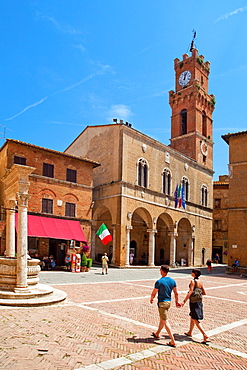 Palazzo Pubblico, Pienza, Tuscany, Italy, Europe