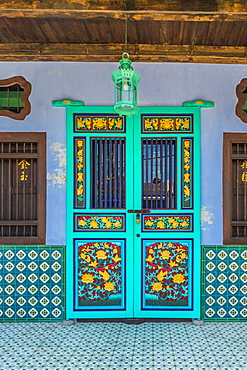 Traditional Chinese shop house architecture in George Town, Penang Island, Malaysia, Southeast Asia, Asia