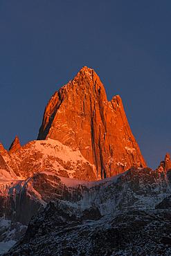 Mount Fitz Roy bathed in morning sun, Los Glaciares National Park, UNESCO World Heritage Site, El Chalten, Santa Cruz Province, Patagonia, Argentina, South America