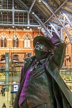 The Statue of John Betjeman, St. Pancras International Station, London, England, United Kingdom, Europe