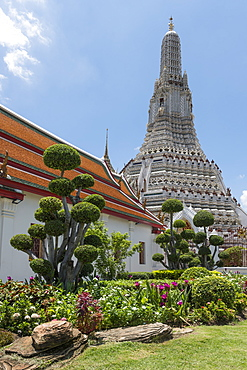 Wat Arun (The Temple of Dawn), Bangkok, Thailand, Southeast Asia, Asia