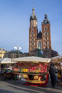 Saint Mary's Basilica with Christmas stall, UNESCO World Heritage Site, Krakow, Poland, Europe