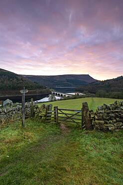 View of Ladybower Reservoir with Baslow Edge in the distance, Peak District, Derbyshire, England, United Kingdom, Europe