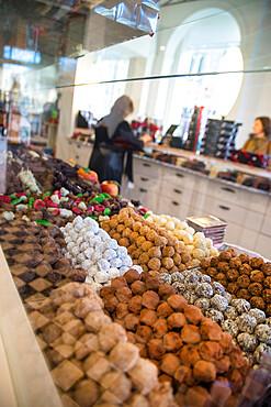 Dumon chocolate shop, Simon Stevinplein square, Bruges