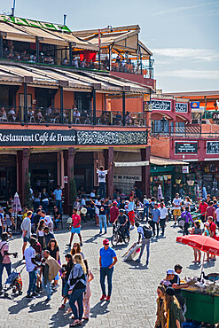 Shops and restaurants around Jemaa el-Fna Square, Marrakech, Morocco, North Africa, Africa