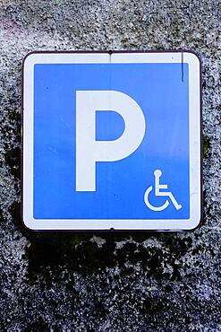 Panel. Parking space reserved for the disabled.