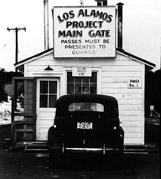 Manhattan Project Main Gate, 1943