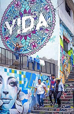 Tourists, Street art, mural, graffiti, Comuna 13, Medellín, Colombia