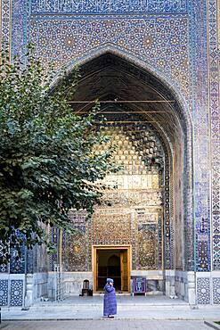 Courtyard of Ulugbek Medressa, Registan, Samarkand, Uzbekistan
