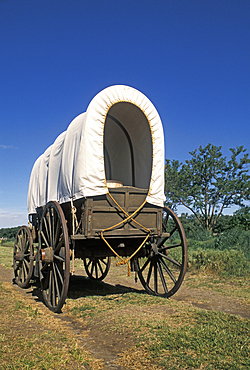 Covered wagon on the old Oregon Trail at Whitman Mission National Historic Site, Walla Walla, Washington.