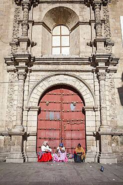 Main facade of San Francisco Church on the plaza of the same name, founded in 1548 and rebuilt 1784, La Paz, Bolivia