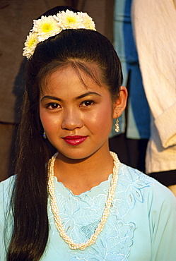 Portrait of young woman, Mae Hong Song, Thailand, Southeast Asia, Asia