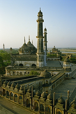 Mosque in grounds of the Bara Imambara (Great Imambara), Lucknow, India, Asia