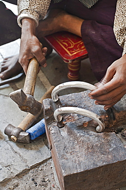 Jewellery making in north eastern Gujarat state, India, Asia