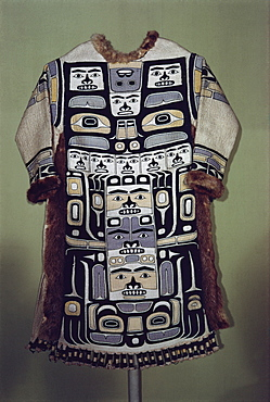 Chilkat shirt, Tlingit from North West Pacific, exhibited in Portland Museum, Portland, Oregon, United States of America, North America