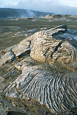 Kilauea volcano crater showing solidified ropy lava called pahoehoe, The Big Island, Hawaii, Hawaiian Islands, United States of America, North America