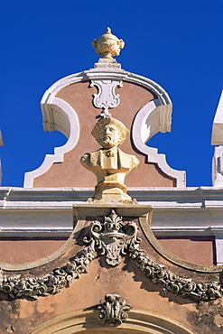 Bust of Vasco da Gama in the gardens of the Estoi Palace, C18th to C19th, at Estoi, Faro, in the Algarve, Portugal