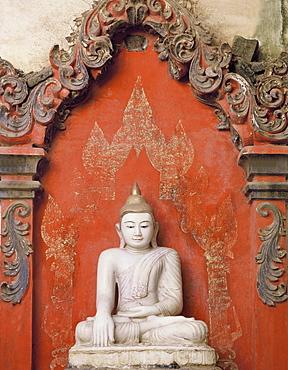 Alabaster Buddha image, Mandalay style. Ava, Myanmar (Burma), Asia