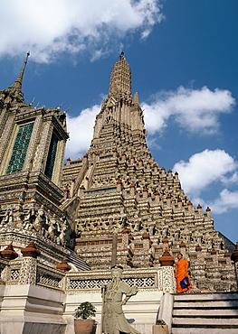Wat Arun (Temple of the Dawn), Thonburi, Bangkok, Thailand, Southeast Asia, Asia