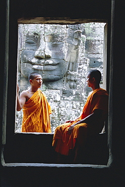 Buddhist monks at the Bayon temple, Angkor, UNESCO World Heritage Site, Siem Reap, Cambodia, Indochina, Asia - 252-10082