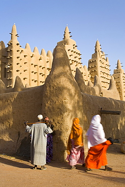 Djenne Mosque, the largest mud structure in the world, UNESCO World Heritage Site, Djenne, Niger Inland Delta, Mali, West Africa, Africa