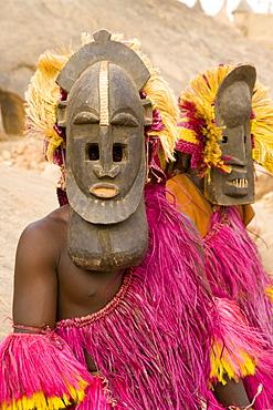 Portrait of masked ceremonial Dogon dancers near Sangha, Bandiagara escarpment, Dogon area, Mali, West Africa, Africa