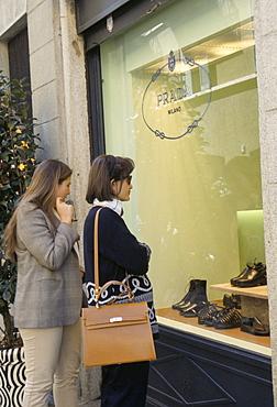 Window shopping, Prada, Via della Spiga, fashion quarter, Milan, Lombardy, Italy, Europe