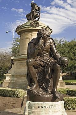 Statue of Hamlet with William Shakespeare behind, Stratford upon Avon, Warwickshire, England, United Kingdom, Europe