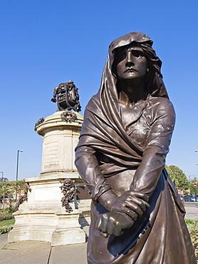 Statue of Lady Macbeth with William Shakespeare behind, Stratford upon Avon, Warwickshire, England, United Kingdom, Europe