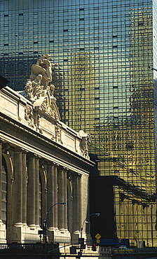 Contrast between Grand Central Station and the Graybar Building, Manhattan, New York City, United States of America, North America
