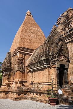 Po Nagar Cham tower, Nha Trang, Vietnam, Indochina, Southeast Asia, Asia