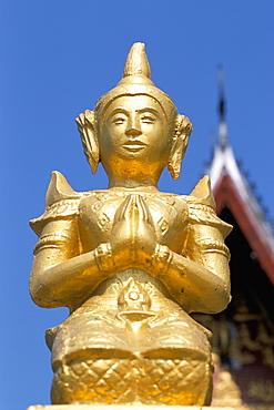 Kneeling Buddha statue, Wat Sen Soukharam, Luang Prabang, Laos, Indochina, Southeast Asia, Asia