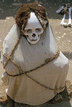 Inca cemetery, near Nazca, Peru, South America
