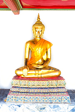 Golden Buddha image, Wat Pho, Bangkok, Thailand, Southeast Asia, Asia