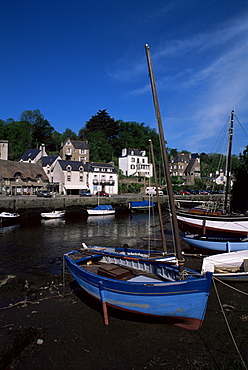 Blue sailing dinghy and River Aven, Pont-Aven, Brittany, France, Europe