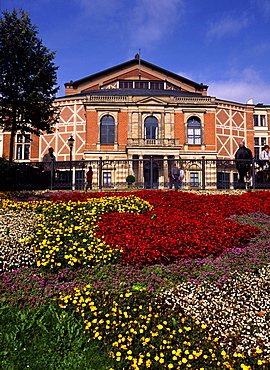 Germany, Bavaria, Bayreuth, Wagner Festspielhaus, opera house, flower beds in foreground