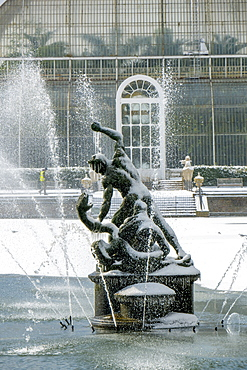 Palm House with Hercules and Achelous fountain in winter, Kew Gardens, UNESCO World Heritage Site, London, England, United Kingdom, Europe