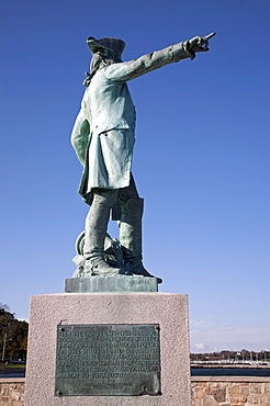 Statue of Jean-Baptiste Donatien de Vimeur, Comte de Rochambeau, overlooking Newport harbor, Rhode Island, New England, United States of America, North America
