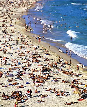 Crowds on Bondi Beach, Sydney, New South Wales, Australia, Pacific