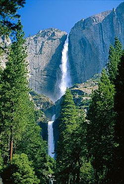 Waterfalls swollen by summer snowmelt at the Upper and Lower Yosemite Falls, in the Yosemite National Park, California, USA