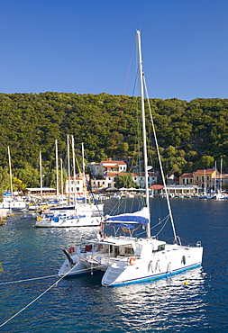 Yachts at anchor in the pretty harbour, Kioni, Ithaca (Ithaki), Ionian Islands, Greek Islands, Greece, Europe
