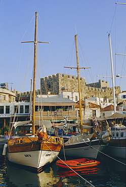 Yacht marina and castle, Marmaris, Aegean coast, Anatolia, Turkey, Asia Minor, Asia