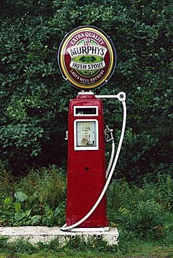 Murphy's Stout petrol pump, County Cork, Munster, Eire (Republic of Ireland), Europe