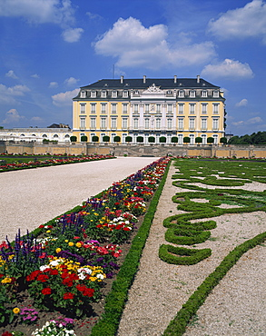 Formal gardens and the Augustusburg Castle near Bruhl, UNESCO World Heritage Site, North Rhine Westphalia, Germany, Europe